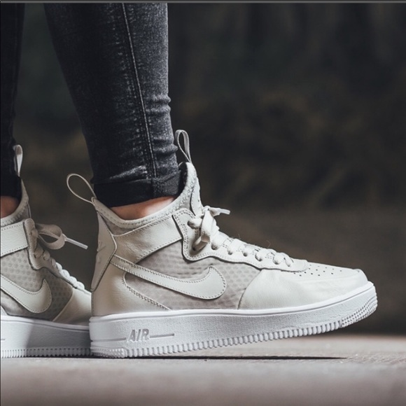 nike air force 1 ultraforce mid premium shoe
